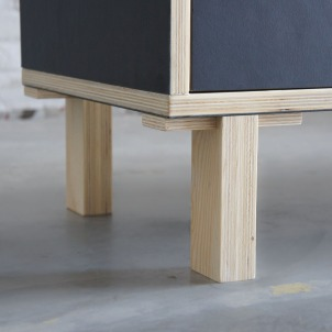 Atelier Antipode Office cabinet in plywood with forbo desktop en gold brushed laminate